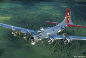 EAA_B-17 Alluminum Overcast_Pete Bunce